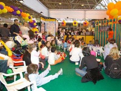 I bambini si gustano lo spettacolo